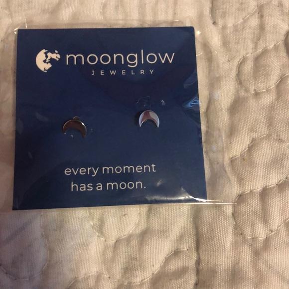Jewelry - Half moon earrings